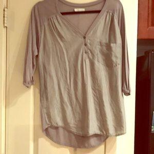 Silk Three-quarter sleeve V-neck blouse